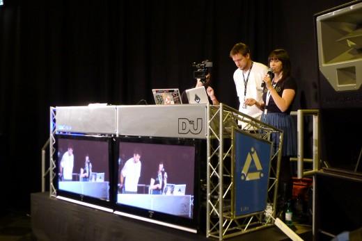 DJ Cheeba & Aroha presneting Serato Scratch Live at the DJ Mag Awards