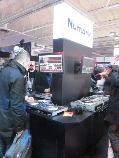 Numark NS6 and Numark V7 setup