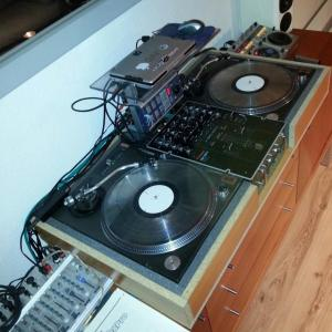 hook up turntables serato